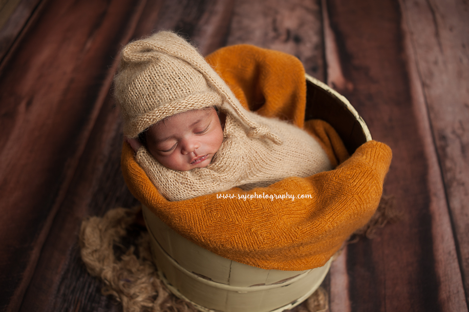 Thinking about booking with a session with saje photography a baby photographer in new jersey i know there are many choices for photographers in new jersey