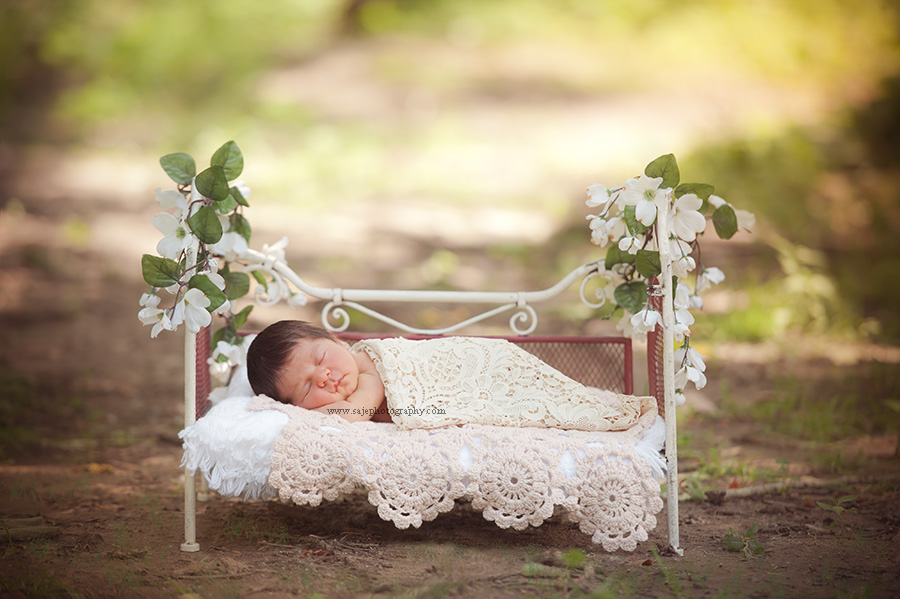 Are you looking for a newborn photographer in cherry hill new jersey or the surrounding areas if you have been thinking of booking a south jersey newborn